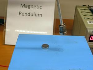Magnetic_pendulum_3